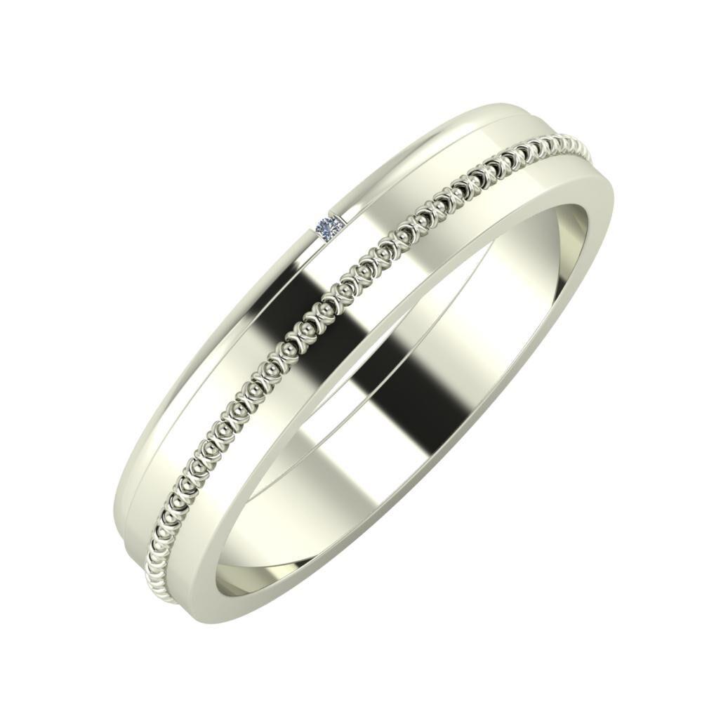 Adalind - Afrodita 4mm 18 karátos fehér arany karikagyűrű